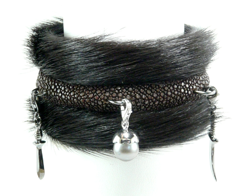 BANGLE  40mm horse fur silver charms.
