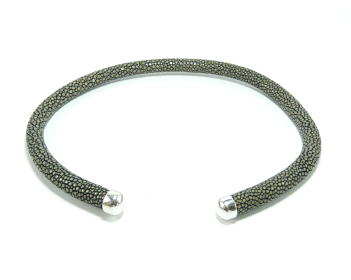 ROUND RIGID NECKLACE 10mm silver ends.